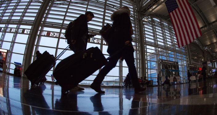 ABD'de günlük uçak yolcu sayısı Kovid-19 salgınında en üst seviyeyi gördü